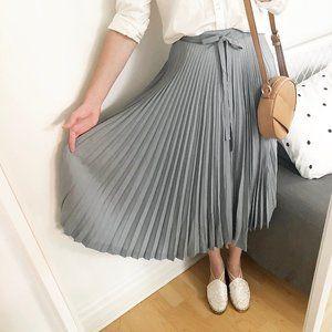 100% Silk Authentic Vintage Pleated Midi Tie Skirt